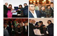 وزيرة الثقافة المصرية تكرم الملهم..وصاحب الالف وجه